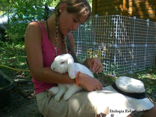 Yogurt in braccio a Sara a Cascina Myriam